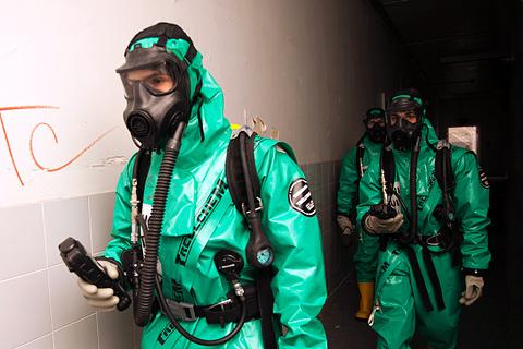 Unidad Militar de Emergencias- La UME colabora en el programa ...